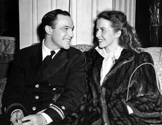 Lieutenant Gene Kelly and wife Betsy Blair. October, 1945