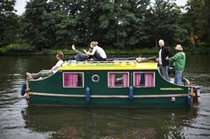 Renting an electrical houseboat in Berlin