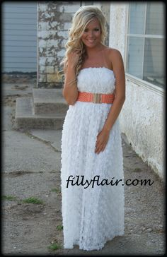 (http://www.fillyflair.com/petal-sensation-maxi-in-white/)
