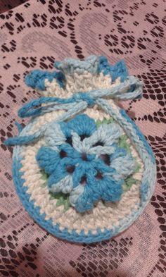 """Fiz este sachê com os barbantes da """"Círculo"""", e por dentro tem um sabonete da """" Natura"""": Marlí Borin"""