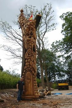 Amazing and beautiful chainsaw carving https://www.facebook.com/woodworkingideas1