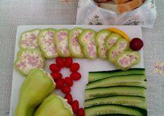 Töltött paprika (hidegtál)   Erika receptje - Cookpad receptek Zucchini, Sushi, Food And Drink, Vegetables, Ethnic Recipes, Vegetable Recipes, Veggies, Sushi Rolls