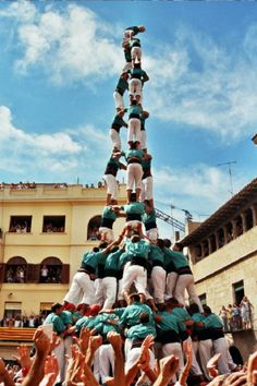 SPAIN // Catalonia's Human Towers: The Art of Castells // http://theculturetrip.com/europe/spain/articles/catalonia-s-human-towers-the-art-of-castells/