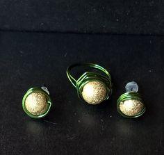 Conjunto Bolinha Dourado com Verde