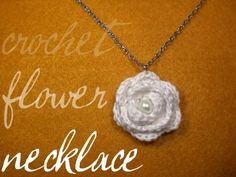Homemakin and Decoratin: The Prettiest Little Crochet Flower Necklace!