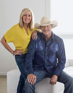 "Alan Jackson Dedicated ""I'd Love You All Over Again"" To Wife Denise 2 Best Country Singers, Country Musicians, Country Music Artists, Country Music Stars, Allan Jackson, Jackson Song, Jackson Music, Blake Shelton First Wife, Merle Haggard Sons"