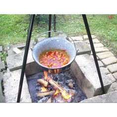 Bogrács: Hungarian cooking pot