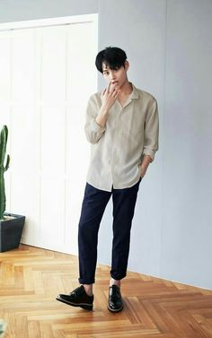 New Fashion Casual Korean Shirts Ideas . New fashion casual korean shirts Ideas Korean Fashion Winter, Korean Fashion Trends, Korean Street Fashion, Korean Male Fashion, Korean Outfits, Boy Outfits, Basic Outfits, New Fashion, Trendy Fashion