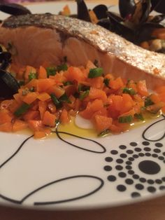 Salmon skin on with blue mussels
