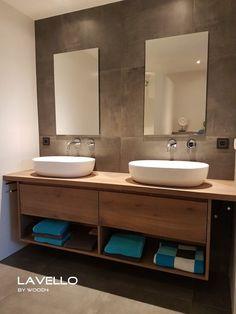 Dit eiken maatwerk badkamermeubel is een variant op ons LIV Lisio model. This oak made-to-measure bathroom furniture is a variant of our LIV Lisio model. Toilet Storage, Bathroom Storage, Small Bathroom, Master Bathroom, Oak Bathroom, Bathroom Spa, Bad Inspiration, Bathroom Inspiration, Bathroom Furniture