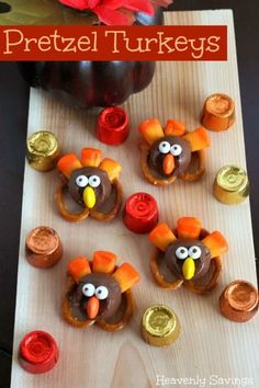 Thanksgiving Pretzel Turkeys with Candy Corn and Rolos