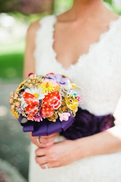 Fabulous Florals: 12 Unique Wedding Bouquets | The SnapKnot Blog | Kate Connolly Photography