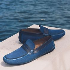 Relaxed summer footwear from Moreschi. ☀️ Save on the Bahamas loafer, available in blue or brown. Shoe Horn, Shoe Tree, Italian Shoes, Types Of Shoes, Summer Shoes, New Shoes, Suede Leather, Loafers Men, Oxford Shoes