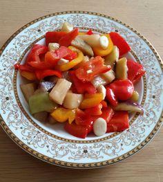 Kolay Yağlı Turşu 1 su bardağı sirke 1 su bardağı sıvıyağ 1 kg. kırmızı biber 1 kg. patlıcan (dilerseniz patlıcanlı da yapab...