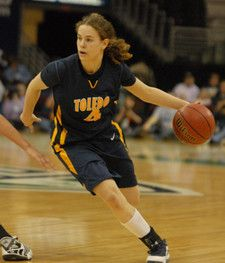 This Week in History - Orthodox basketball star Naama Shafir led the University of Toledo to victory | Jewish Women's Archive