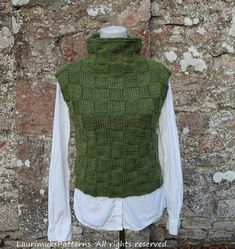 Ravelry: Green sweater vest pattern by Laura Dovile Knit Vest Pattern, Dress Gloves, Green Sweater, Pulls, Dress To Impress, Knitwear, Knitting Patterns, Knit Crochet, Fashion Outfits