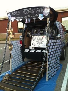 Trunk or Treat Ideas! 21 Clever DIY Trunk or Treat design ideas. Fall festival ideas for church Trunk or Treat event. Bible theme Trunk or Treat Idea. Holidays Halloween, Halloween Treats, Halloween Party, Halloween Stuff, Halloween 2017, Halloween Costumes, Halloween Games, Homemade Halloween, Scary Halloween