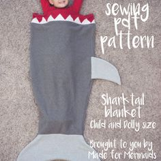 shark tail blanket: a boy's version o the little girls' mermaid tail  |  free #sewing #pattern & #tutorial