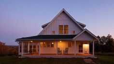 Architect Marc Sloot defines the Farmhouse style with this Wisconsin home.