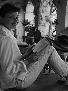Women Reading - Audrey Hepburn