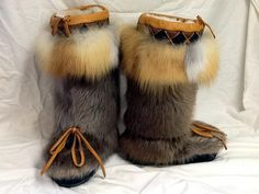 Alaskan Fur Clothing: World's Leading Outfitter in Animal Skin Clothing! Moccasin Boots, Fur Boots, Shoe Boots, Moccasins, Cold Weather Boots, Cold Weather Outfits, Fur Clothing, Animal Bones