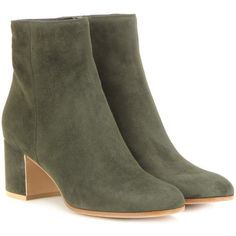 Gianvito Rossi Margaux Suede Ankle Boots ($640) ❤ liked on Polyvore featuring shoes, boots, ankle booties, ankle boots, green, suede leather boots, suede bootie, green booties and green boots