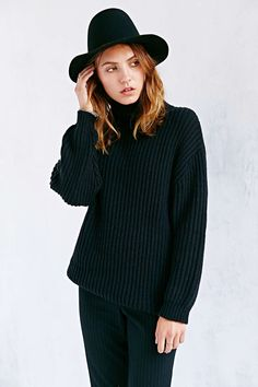 BDG Shaker Turtleneck Sweater - Urban Outfitters