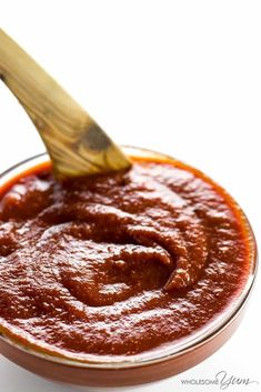Low Carb Sugar-Free BBQ Sauce Recipe - Keto & Gluten-Free - This keto low carb BBQ sauce recipe is sweet, smoky, spicy & tangy in one. If you want a super easy, sugar-free barbecue sauce that tastes delicious, this is it. Only 5 minutes prep time! Sugar Free Bbq Sauce Recipe, Sugar Free Barbecue Sauce, Low Carb Bbq Sauce, Barbecue Sauce Recipes, Grilling Recipes, Paleo Bbq Sauce, Burger Recipes, Ketogenic Recipes, Low Carb Recipes