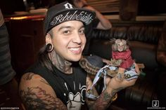 Tony Perry -- Pierce the Veil Emo Bands, Music Bands, Emerson Barrett, Jaime Preciado, Tony Perry, Escape The Fate, Perfect Smile, Falling In Reverse, Pierce The Veil