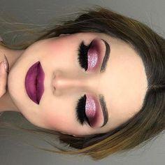 Agrega #glitter a tus #ojos para un look espectacular #Sparkle #Eyes