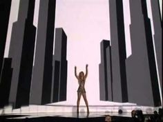 Cantanti Italiani e stranieri: il controllo degli Illuminati nella musica