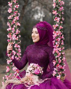Makeup Looks Purple Dress - Makeup Wedding Hijab Styles, Disney Wedding Dresses, Muslim Brides, Pakistani Wedding Dresses, Muslim Women, Bridal Hijab, Hijab Bride, Oriental Wedding, Bride Photography