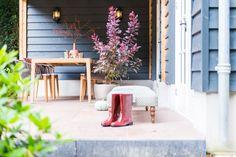 Guesthouse met terrasoverkapping, Rozendaal. Met een keuken en een sanitaire unit met douche en toilet. Franse dakpannen en zinken mastgoten. www.bronkhorstbuitenleven.nl