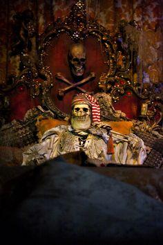 Disneyland // Pirates of the Caribbean