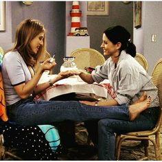 "jenniferanistononline: ""I'm just making Margaritas! #friends #jen"""