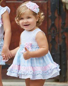 Cute Little Girl Dresses, Cute Young Girl, Dresses Kids Girl, Cute Outfits For Kids, Baby Girl Dress Patterns, Baby Clothes Patterns, Little Girl Fashion, Kids Fashion, Kids Dress Wear