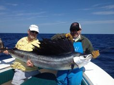 We work with more than 30 experienced captains, all U.S. Coast Guard licensed and insured. http://saltwaterangler.com