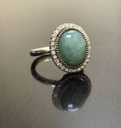 Opal Jewelry, Luxury Jewelry, Diamond Wedding Rings, Halo Diamond, Jade Ring, Pretty Rings, Veronica, Glitters, Vintage Rings