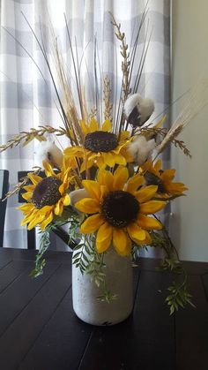 Rustic arrangement of sunflower arrangement cotton arrangement # arrangement # of . - Home Blumenarrangements - Floral Sunflower Room, Sunflower Vase, Sunflower Crafts, Sunflower Arrangements, Sunflower Kitchen Decor, Fall Floral Arrangements, Sunflowers In Vase, Sunflower Bathroom, Decorating With Sunflowers