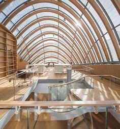 Nouveau bâtiment de la Fondation Pathé par Renzo Piano - Journal du Design - presentato a Parigi dall'architetto il 6.9.2014 questo edificio di legno, vetro e acciaio lo hanno già chiamato armadillo,tapiro, balena, pesce, mongolfiera........