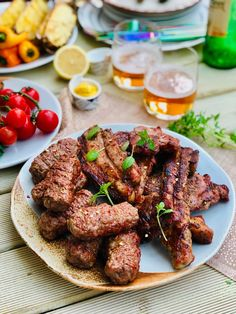 Homemade mici -the famous Romanian garlicky meat open sausages Thyme Recipes, Dog Recipes, Sausage Recipes, Hamburger Recipes, Copycat Recipes, Fish Recipes, Lunch Recipes, Mici Recipe, Main Dishes