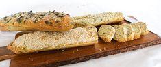 Koolhydraatarm stokbrood, perfect bij de barbeque | KoolhydraatarmRecept.nl Low Carb Keto, Low Carb Recipes, Vegan Keto, Paleo, High Tea, Bbq, Gluten Free, Bread, Breakfast