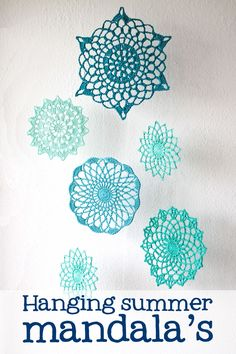 These stiffened mandala's make a great decoration, inside or outside! Just follow these easy instructions and they will be up in no-time! You will need a couple of things.