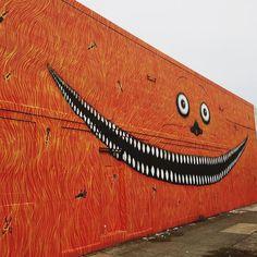 Yoshi47 @yoshi_47 .  Forest For The Trees @ffttnw .  417 SE 11th Ave Portland OR (@adxportland) .  . Portland a une multitude de peintures murales la ville permet aux artistes de demander des permis pour pouvoir décorer des murs vides de la ville. Plusieurs associations aident les artistes à décrocher ces permis qui leur permet aussi d'avoir leur travail plus ou moins protégés.  Je vous fait découvrir les fresques que vous pourrez découvrir en venant visiter Portland! Découvrez une carte sur…