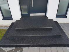 Steinteppich schwarz Edelstahlschiene Fugenlos