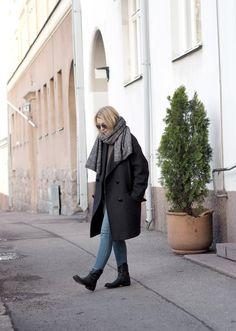 Simpler the better Minimalist Style, Minimalist Fashion, Fall Winter, Autumn, Heidi Klum, Helsinki, Everyday Fashion, Scandinavian, Raincoat