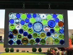 Bottle window Old Window Projects, Diy Craft Projects, Projects To Try, Diy Crafts, Fusion Art, Bottle Cutting, Garden Art, Garden Ideas, Old Wood