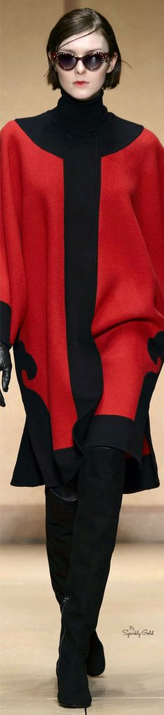 Laura Biagiotti Collection fall 2016 Ready-to-Wear Fall Fashion 2016, Red Fashion, Colorful Fashion, Fashion 2020, Hijab Fashion, Girl Fashion, Winter Fashion, Laura Biagiotti, Black White Red