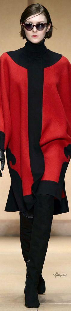 Laura Biagiotti Collection fall 2016 Ready-to-Wear Red Fashion, Colorful Fashion, Autumn Fashion, Womens Fashion, Fashion 2016, Laura Biagiotti, Black White Red, Antara, Fashion Boutique