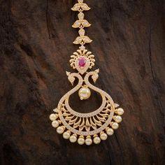 Zircon Ruby Tikka 62675 Tika Jewelry, Jewelry Design Earrings, Gold Rings Jewelry, Necklace Designs, India Jewelry, Body Jewelry, Jewellery, Indian Wedding Jewelry, Bridal Jewelry
